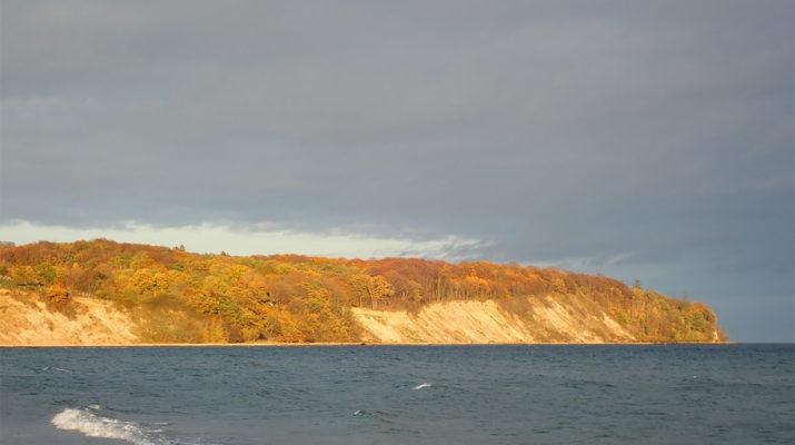 Steilküste-im-Herbst-foto-©-Dagmar-Falk einfachwandern.de